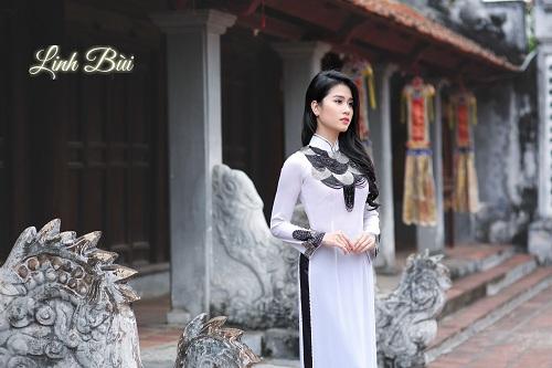 Tà áo là sự chọn lựa phù hợp khi đi lễ chùa