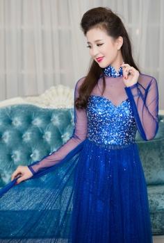Áo dài dự tiệc màu xanh coban vải sequin quyến rũ