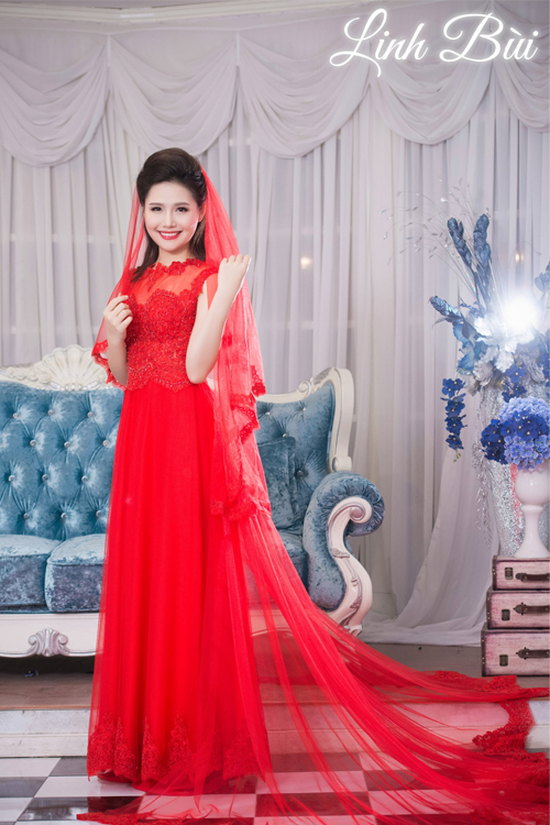 Mẫu áo dài cưới hoàng gia đỏ lộng lẫy cho cô dâu