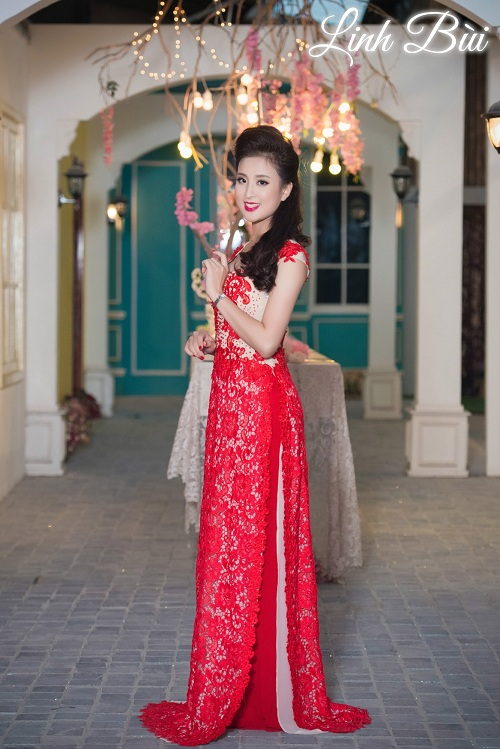 Thiết kế hoa ren hiện đại cho cô dâu sự sang trọng, lộng lẫy