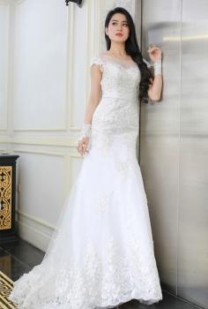 Váy cưới cao cấp  dáng đuôi cá đắp ren sang trọng