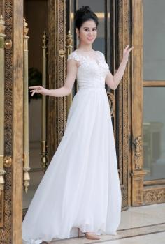 Váy cưới cao cấp dáng suông đắp ren cúp ngực gợi cảm