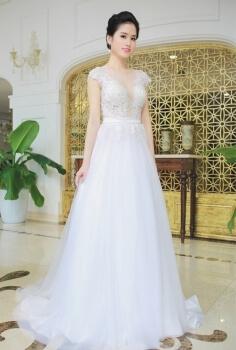 Váy cưới cao cấp đắp ren ngực dáng chữ A gợi cảm