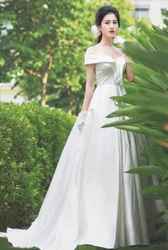 Váy cưới cao cấp trễ vai dáng chữ A đuôi xòe duyên dáng