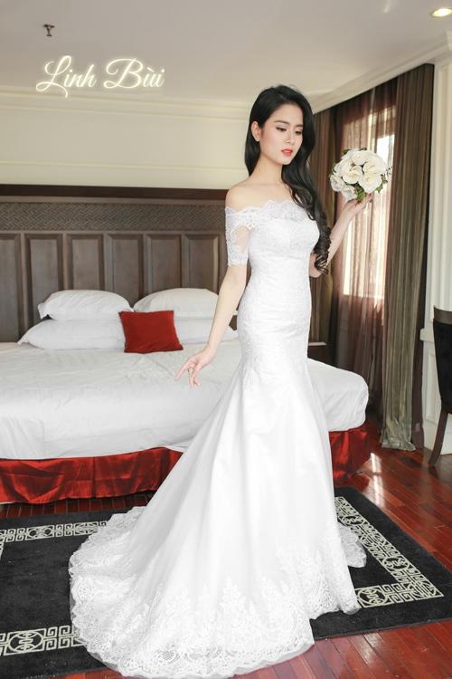 Váy cưới dáng đuôi cá khoe trọn đường cong mềm mại cho cô dâu