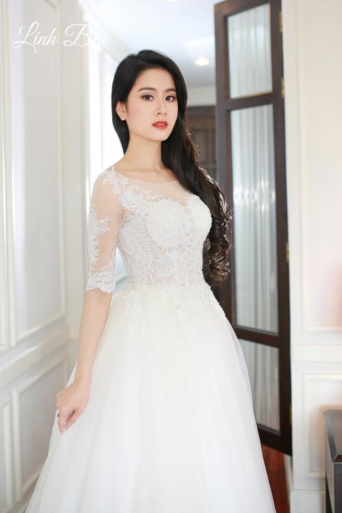 Váy cưới tay lỡ đắp ren cho mùa cưới ngày xuân