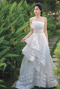 Váy cưới hoàng gia vải voan cao cấp thiết kế cầu kì