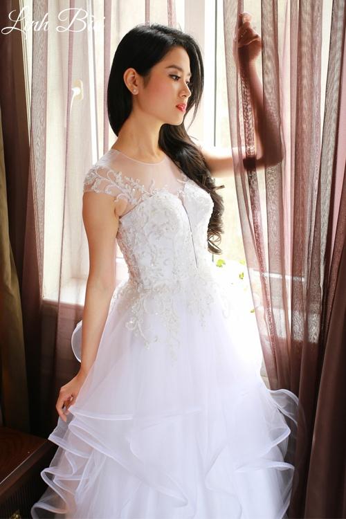 Váy cưới xếp tầng ngẫu hứng mang tính nghệ thuật cao