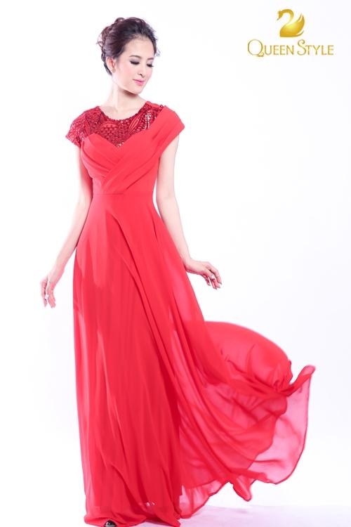 Màu đỏ luôn biết cách đem lại sự rạng rỡ nhất cho quý cô