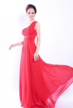 Đầm dạ hội đỏ lệch vai trẻ trung điệu đà