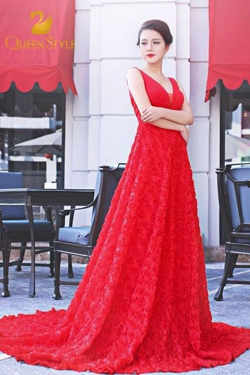 Đầm dạ hội đỏ dáng xòe lộng lẫy cho quý cô nổi bật vô cùng