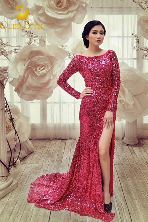 Đầm dạ hội màu hồng cánh sen đơn giản nhưng vô cùng lôi cuốn