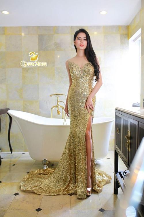 Đầm dạ hội chất vải sequin với màu ánh kim lộng lẫy đầy nổi bật