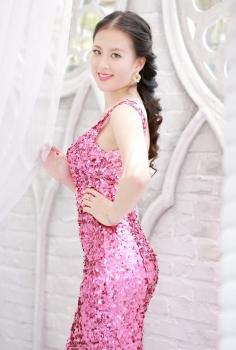 Đầm dạ hội sequin hồng nhạt lệch vai điệu đà