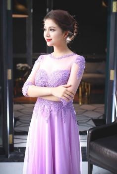 Đầm dạ hội tím pastel nhẹ nhàng cuốn hút cho quý cô