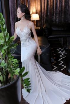 Đầm dạ hội trắng cup ngực quyến rũ