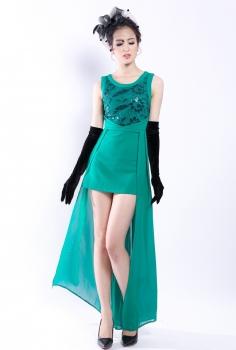 Đầm dạ hội xanh lục kết hoa vạt dài