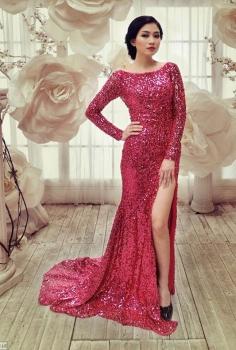 Đầm dạ hội xẻ chân màu hồng cánh sen ngọt ngào kiêu sa