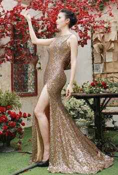 Đầm sequin vàng đồng khoét lưng