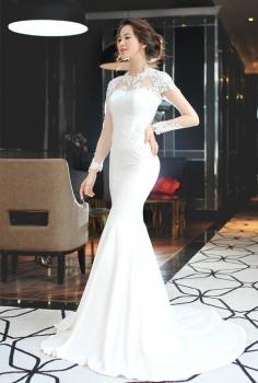 Đầm trắng tinh tế và kiêu sa