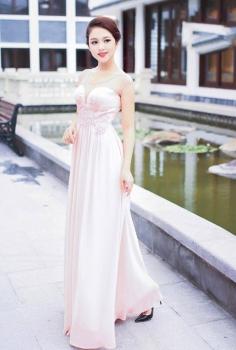 Đầm dạ hội cúp ngực màu hồng pastel duyên dáng