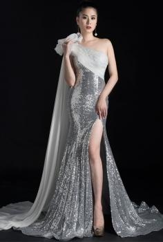 Đầm dạ hội sequin bạc xẻ tà quyến rũ