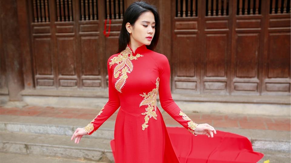 Những mẫu áo dài cưới màu đỏ tuyệt vời không bao giờ lỗi mốt