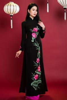 Áo dài truyền thống màu đen sen hồng