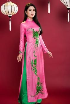 Áo dài truyền thống màu hồng  hoa văn nghệ thuật xanh lá