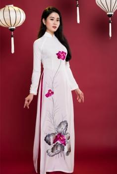 Áo dài truyền thống màu trắng hoa Sen hồng lá xám
