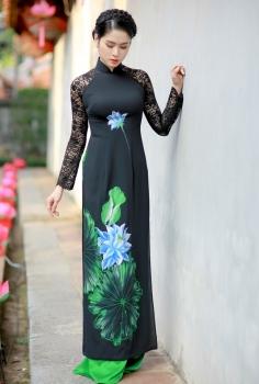Áo dài màu đen ren tay vẽ sơn mài hoa Sen xanh