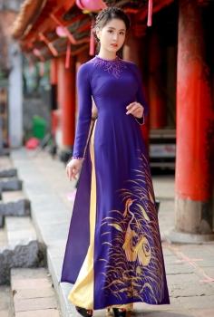 Áo dài màu tím Huế vẽ Cò vàng đính cườm