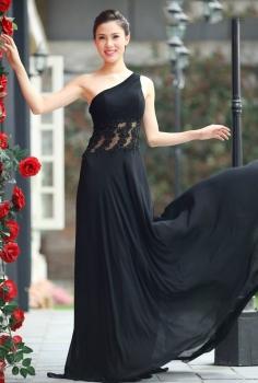 Đầm dạ hội đen kết ren và đính pha lê eo