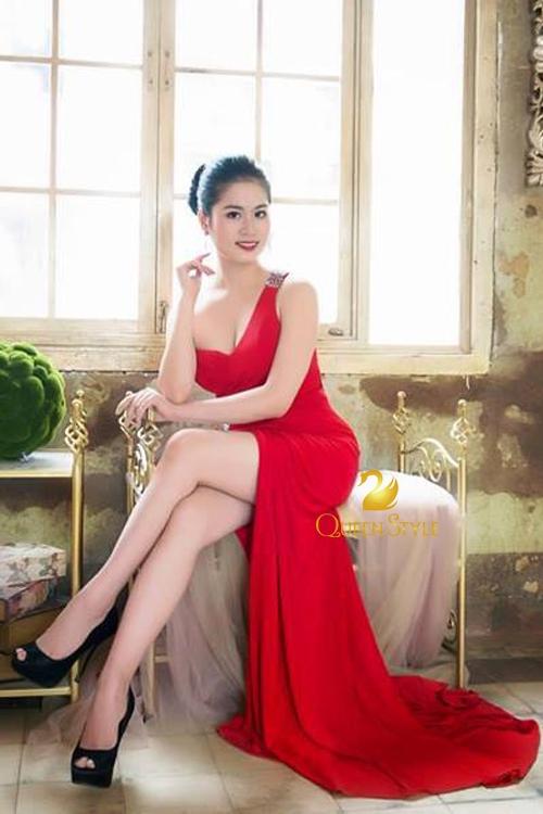 Đầm dạ hội cúp ngực gợi cảm và đầy sang trọng