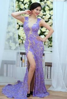 Đầm dạ hội hoa ren tím xẻ chân quyến rũ