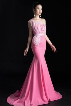 Đầm dạ hội hồng họa tiết hoa hồng 3D đính ngọc trai