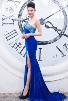 Đầm dạ hội nhung lệch vai màu xanh đính kết pha lê