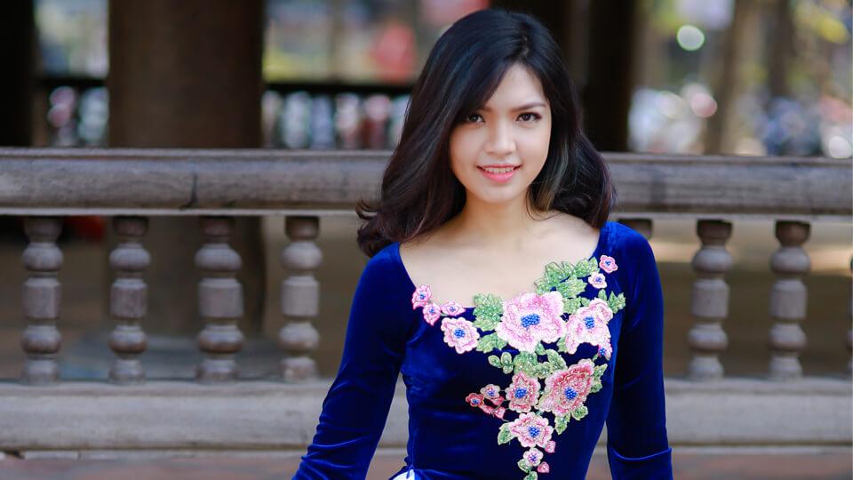 Kiểu áo dài cho người vai ngang tự tin duyên dáng