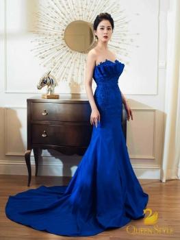 Đầm dạ hội màu xanh coban sang trọng đính cườm lấp lánh