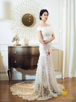 Đầm dạ hội màu trắng trễ vai sexy tùng váy kết hoa tinh tế