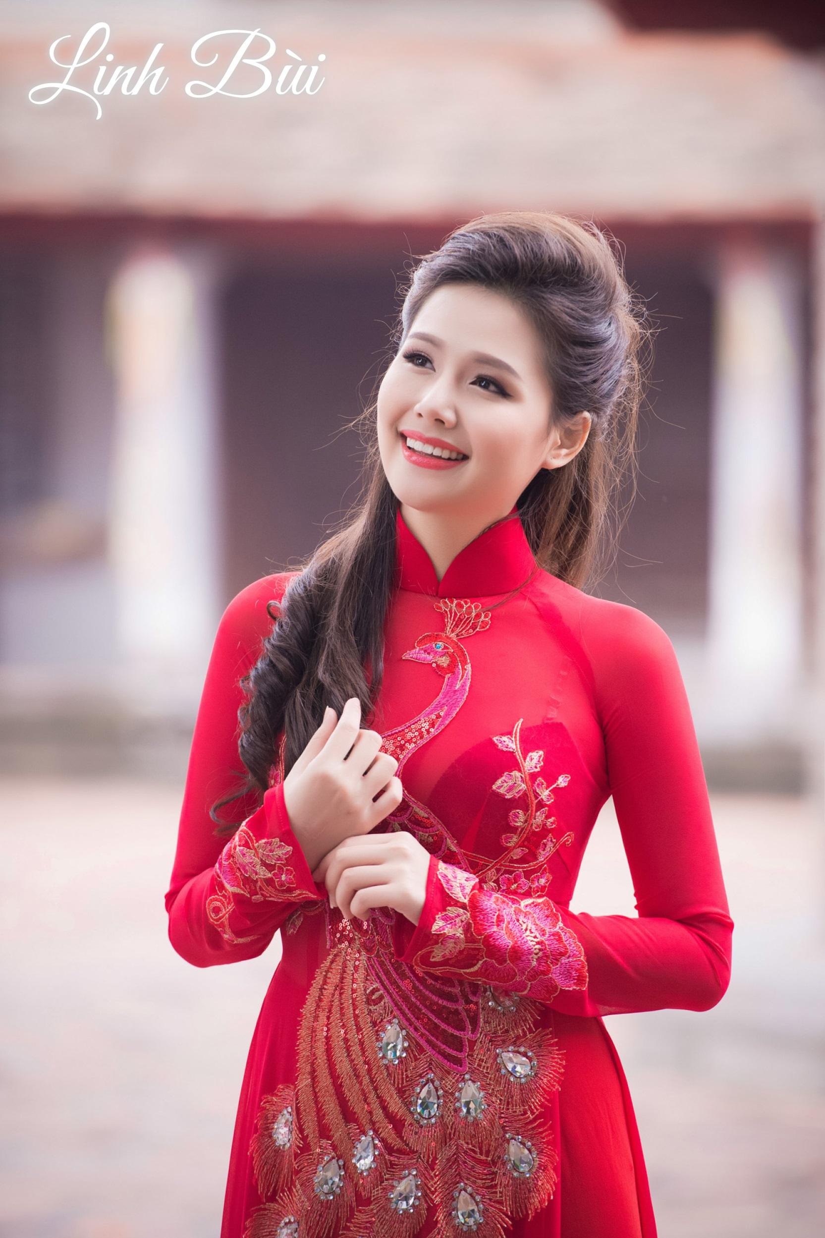 Các mẫu áo dài cưới đẹp duyên dáng cho nàng dâu Việt