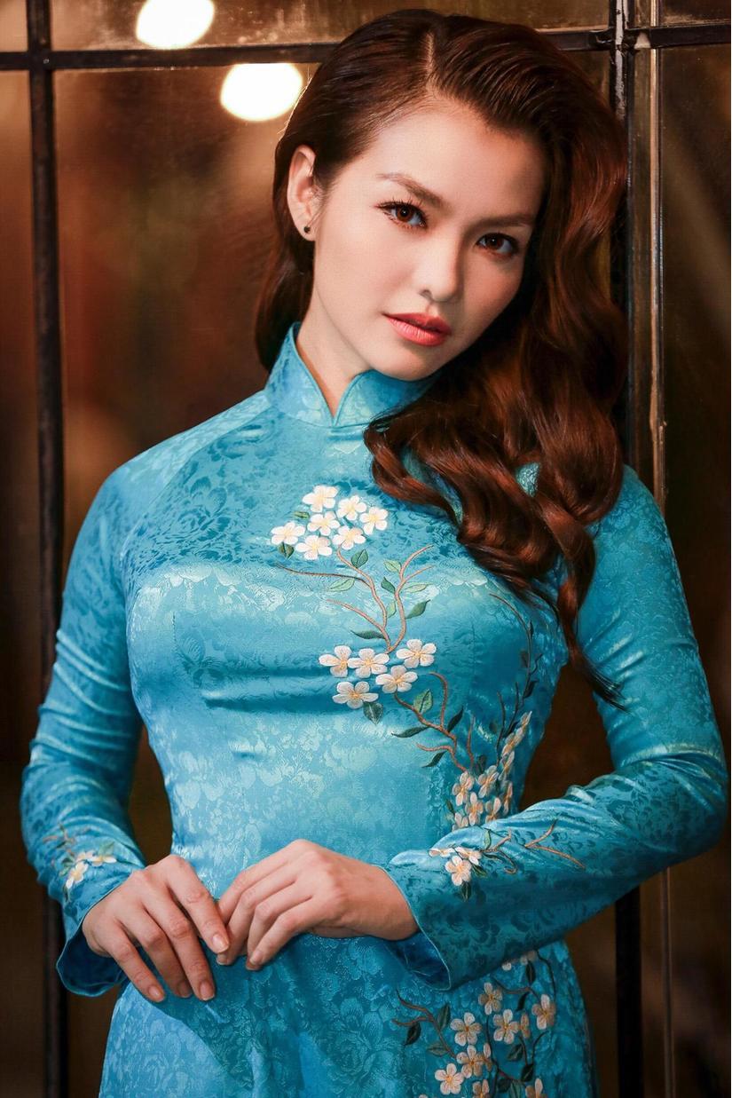 Nàng Hơn Hồng Kim Hạnh diện áo dài khoe vẻ đẹp ngọt ngào 8