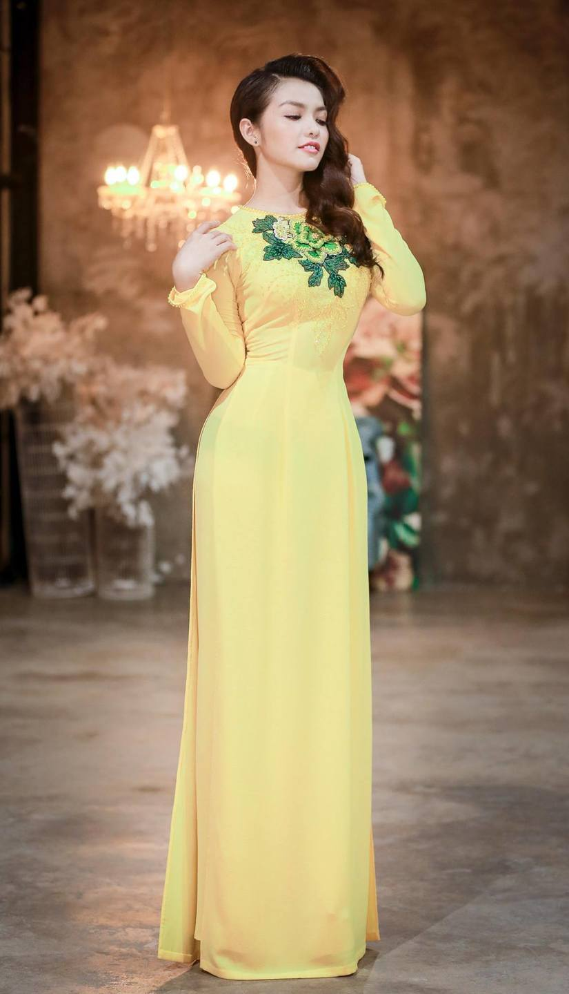 Nàng Hơn Hồng Kim Hạnh diện áo dài khoe vẻ đẹp ngọt ngào 5