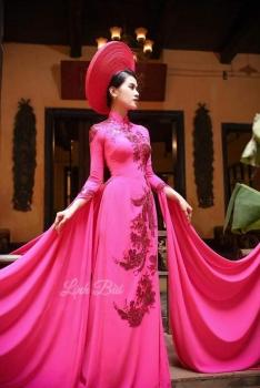 Áo dài dự tiệc hồng  kết đính họa tiết lấp lánh kiêu sa lộng lẫy